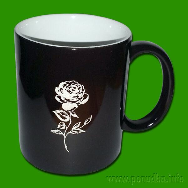 Čarobna skodelica vrtnica